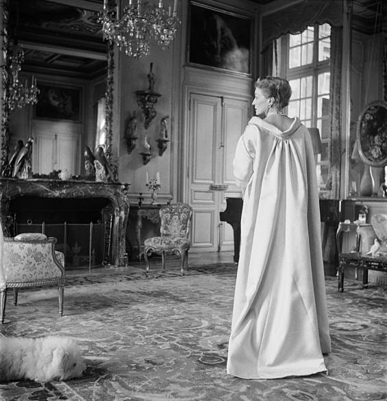Hommage a L'Elegance de la Comtesse Mona Bismarck
